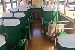 ボンネットバス内装