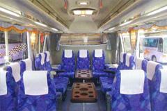 中型バス 内装